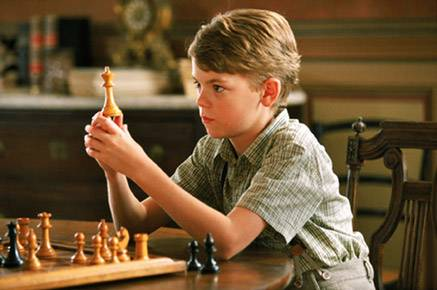 Thomas Sangster Rufus Klaus Maria Brandauer chess schach Giacomo Battiato Entrusted (Daddy)