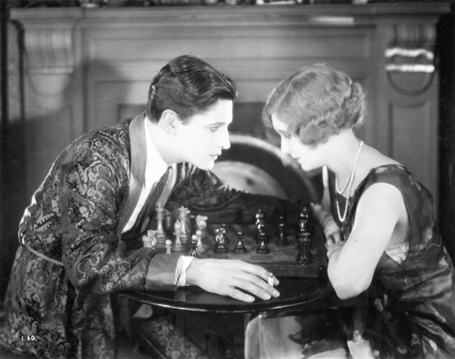 June Ivor Novello chess schach Alfred Hitchcock Lodger, The