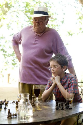 Freddie Highmore Albert Finney chess schach Ridley Scott Good Year, A