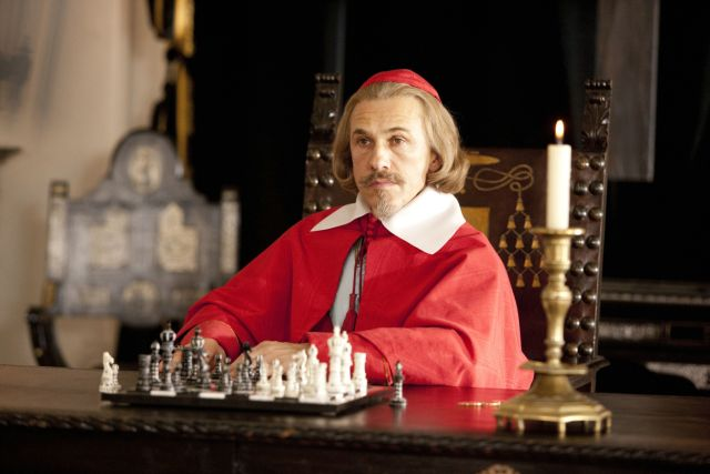Christoph Waltz Freddie Fox chess schach Paul W.S. Anderson Three Musketeers, The