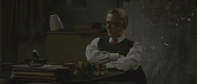Gary Oldman chess schach Tomas Alfredson Tinker Tailor Soldier Spy