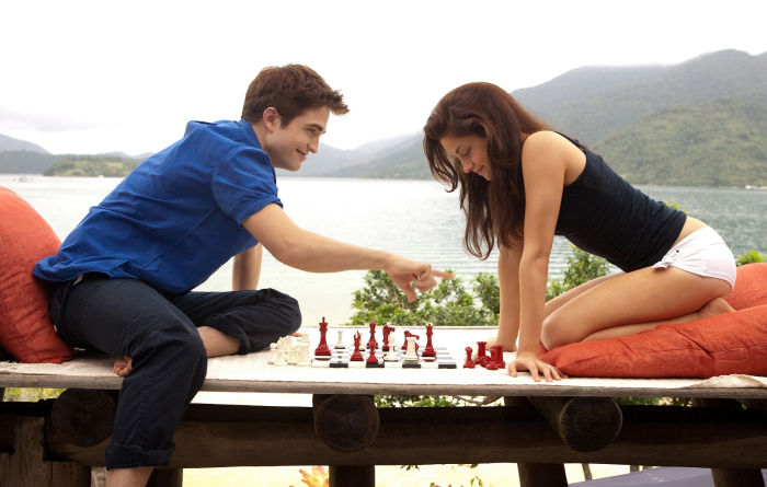 Kristen Stewart Robert Pattinson chess schach Bill Condon Twighlight Saga, The - Breaking Dawn Part 1