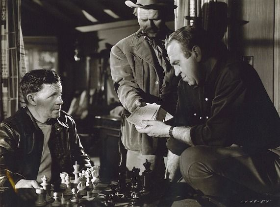George Murphy Henry DeSilva Charles McGraw chess schach Anthony Mann Border Incident