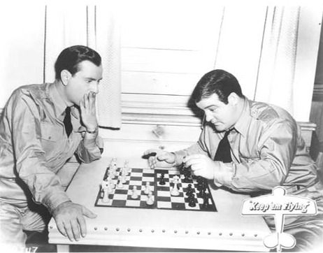 Bud Abbott Lou Costello chess schach Arthur Lubin Keep 'em Flying