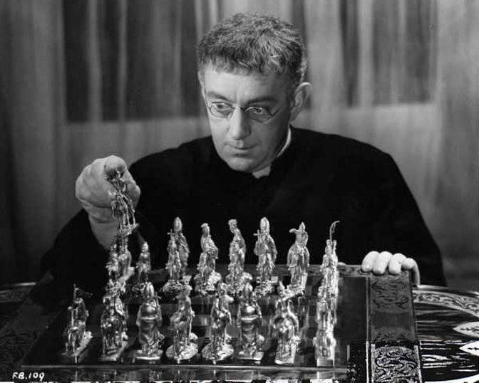 Alec Guinness chess schach Robert Hamer Father Brown