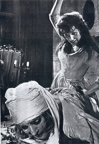 Yvonne Romain chess schach Terence Fisher Curse of the Werewolf