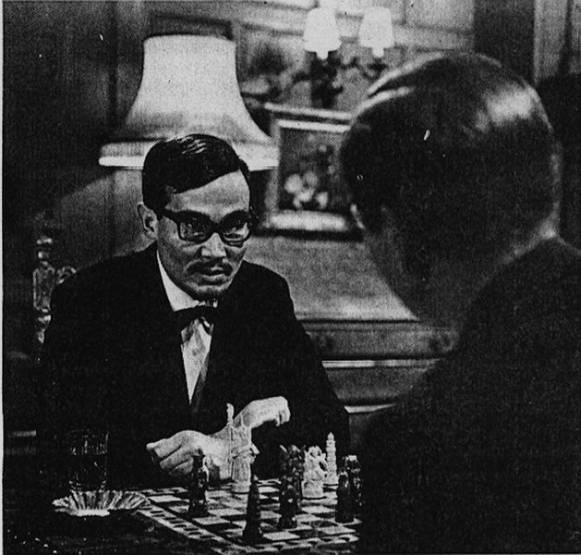 Henry Silva chess schach Ernest Morriss Return of Mr.Moto