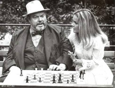 Tuesday Weld Orson Welles chess schach Henry Jaglom Safe Place, A