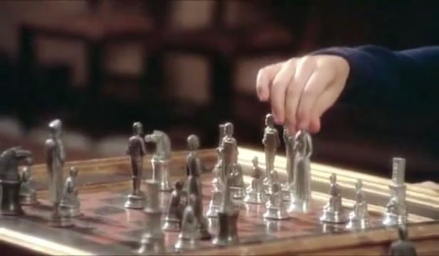 Jennifer O'Neill James Mason chess schach Luigi Zampa Gente di rispetto