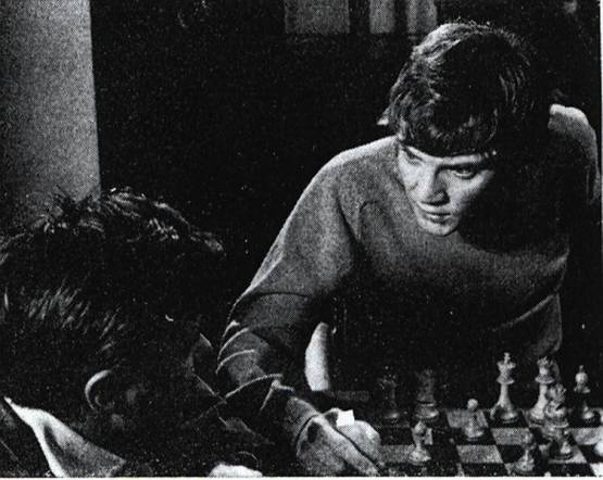 Malcolm McDowell chess schach Bryan Forbes Raging Moon, The