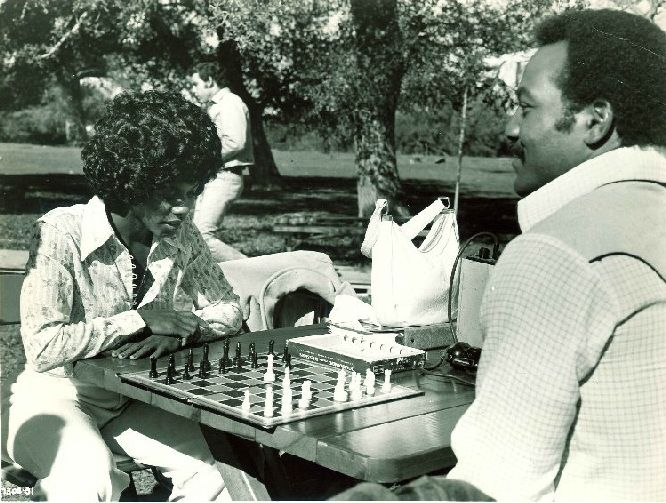 Gloria Hendry Jim Brown chess schach Gordon Douglas Slaughter's Big Rip-Off