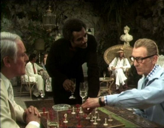 Peter Cushing Charles Gray Calvin Lockhart chess schach Paul Annett Beast Must Die, The